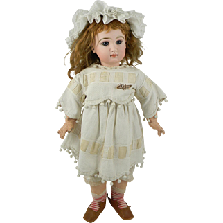 Lovely Tete Jumeau size 11 Closed Mouth Bisque Head Bebe