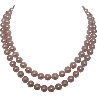 Necklace of  cultured  freshwater pearls with  clasp of  14 karat gold