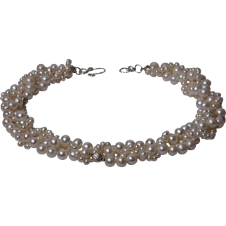 Necklace of  5 rows of cultured freshwater pearls