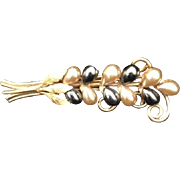 Vintage Gold Toned Costume Jewelry Brooch Pin Faux Pearl Floral Spray Black