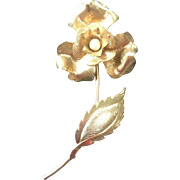 Vintage Gold Toned Costume Jewelry Floral Design Flower Brooch Pin Ladies