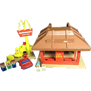Playskool McDonald's McD's Little Play Pretend Restaurant People Car Playground