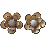 Vintage Retro Floral Flowers Large Gold Toned Rhinestone Clip On Earrings White
