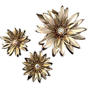 Vintage Gold Toned Floral Brooch Earrings Clip On Rhinestone Costume Jewelry Set
