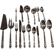 Towle sterling silver flatware set in Danish Baroque, service for 12  82 pieces.