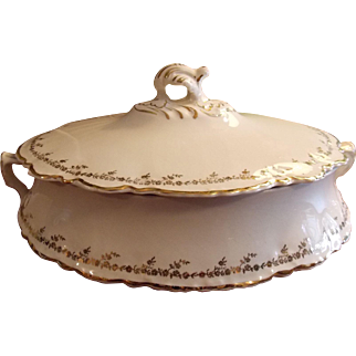 COVERED CASSEROLE, Homer Laughlin Covered Vegetable Dish Serving Ware