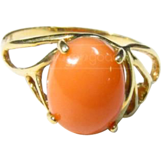 Vintage 14K Yellow Gold Salmon Colored Coral Ring