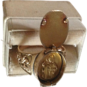 Antique 14K Yellow Gold Devotional Ring with Small Gold Icon