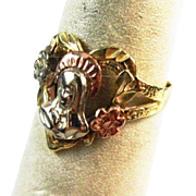 14K Tri-Color Gold Figurative Ring with the Virgin Mary
