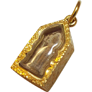 Vintage 22K Yellow Gold Religious Pendant with Carved Buddha behind Glass