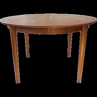 B. Rammeskov Round Dining Table