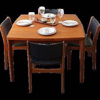 Henning Kjærnulf - Extendable Dining Table
