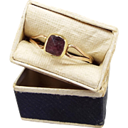 Antique Georgian 9ct Gold Solitaire Foil Backed Almandine Garnet Ring / Size Q 1/2