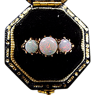 Antique Edwardian 9ct Yellow Gold Natural White Opal Trilogy Ring / Size N