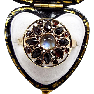 Antique / Art Nouveau 14ct Yellow Gold Garnet and Moonstone Cluster Ring Size O