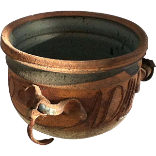 Cache Pot with Handles by John Schulps (Potter/Knife Maker/Pro Football Player