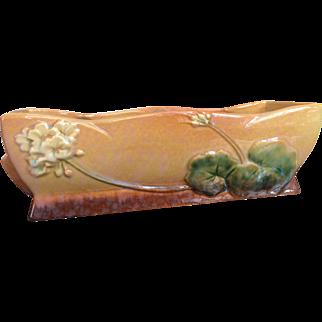 Roseville Planter Box (Apricot Wincraft Pattern)