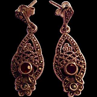 Pretty Vintage Silver Filagree  Dangle Earrings w Garnets