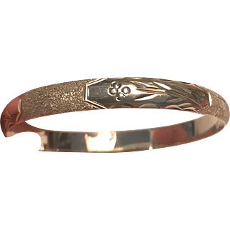 Wonderful Vintage Solid Sterling Silver Bangle Bracelet