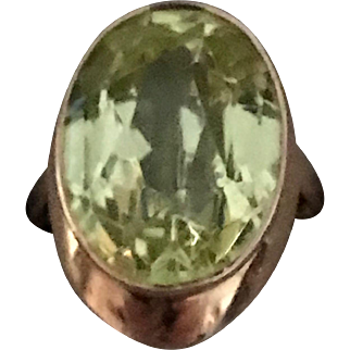 Dynamic Vintage Russian 14K Rose Gold Vibrant Green Stone Ring