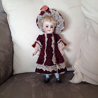 Wonderful outfit and hat for all bisque mignonette doll of 8,2 inches tall