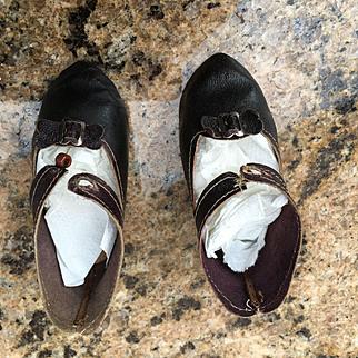 Jumeau antique shoes  size 10 great condition