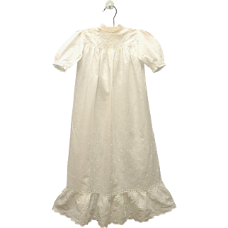 Vintage Beautiful Handmade Victorian Ivory Cotton Eyelet Christening Gown