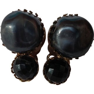 "1950's Garne Simulated Chunky & Faceted Black Pearl 1"" Clip Earrings"