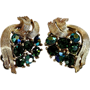 Vintage Lisner Faceted Green Glass & Brushed Gold Tone Clip Earrings