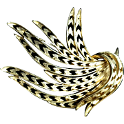 Vintage 1980s MONET Signed Large Gold Tone Metal Wheat Grass Foliate Scarf Shawl Wrap Brooch Pin