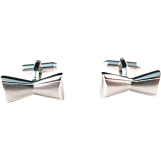 Vintage 1960s Bow Tie Silver Tone Metal Dapper Mad Men Mod Cufflinks With Torpedo Toggles