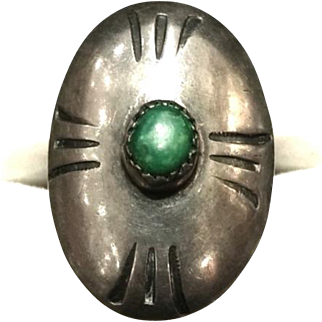 Vintage 1920s Art Deco Sterling Silver and Green Turquoise Cabochon Large Oval Ring Size 6.75