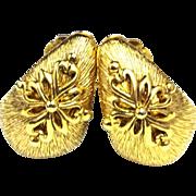 Vintage 1980s Oscar de la Renta Gold Tone Brushed Metal Flower Heart Clip On Earrings