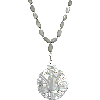 Antique Edwardian Turn of the Century Mother of Pearl Carved Flower Lariat Necklace As Is