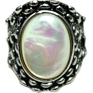 Vintage 1980s Mother-of-Pearl and Silver Tone Large Statement Ring Size 8