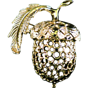 Vintage Signed SARAH COVENTRY Acorn Gold Tone 1980s Brooch