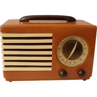 EMERSON Aristocrat  Catalin Radio