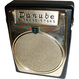 Danube G-607 Transistor 6 Radio with Presentation Case