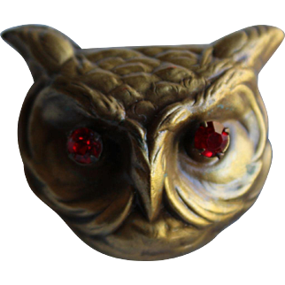 Large Red Eye Owl Pin