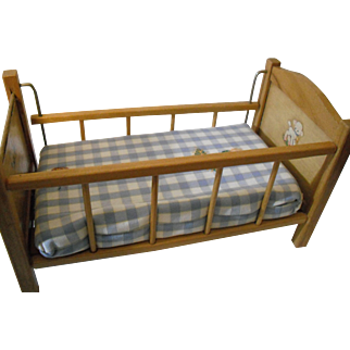 Strombecker Wooden Crib with a side rail that can be lowered!