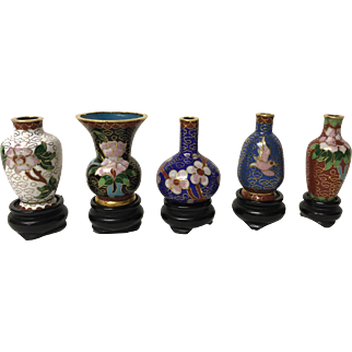 5 Miniature Cloisonne Vases with Wood Stands and Box