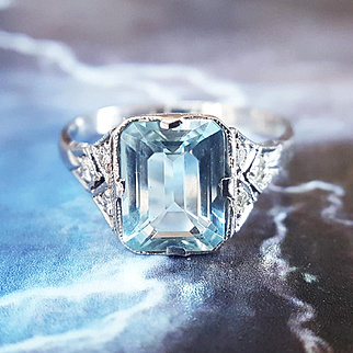 Vintage Art Deco Aquamarine and Diamond Engagement Ring Cocktail Ring in 18K White Gold sz 7