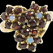 Large 6.1gr Vintage 14k Gold 2.25 Cts Bohemian Pyrope Garnets Opal Ring Size 6