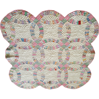 Pristine 1930's Double Wedding Ring Crib Quilt