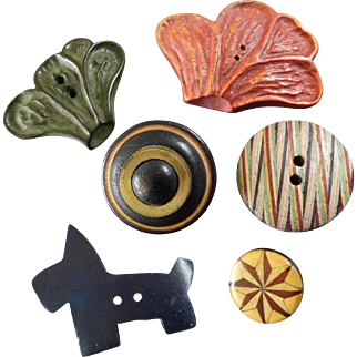 """Five Wood Buttons Scotty Dog Leaves Laminated Carved Metal Embellishment 5/8"""" to 1 13/16"""""""