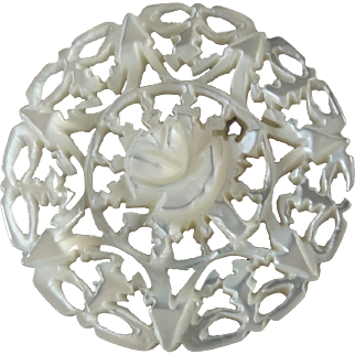 Carved Openwork Mother of Pearl Bethlehem Holy Land Jordan Pearl Button Rose 1 1/16
