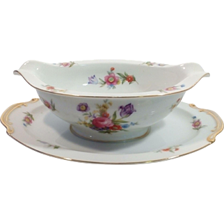 Occupied Japan Aladdin Gravy Boat with Attached Plate