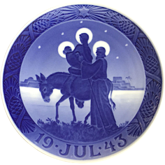 "Royal Copenhagen Annual Christmas Plate 1943 ""Flight of the Holy Family"""
