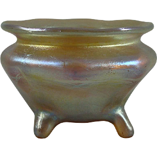 Beautiful Tiffany Studios Gold Favrile Glass Footed Salt