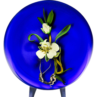 Paul Stankard 1986 experimental coronet on blue ground paperweight.